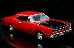 Dodge Coronet SUPER BEE   MotorMax Diecast 124 Scale   Red